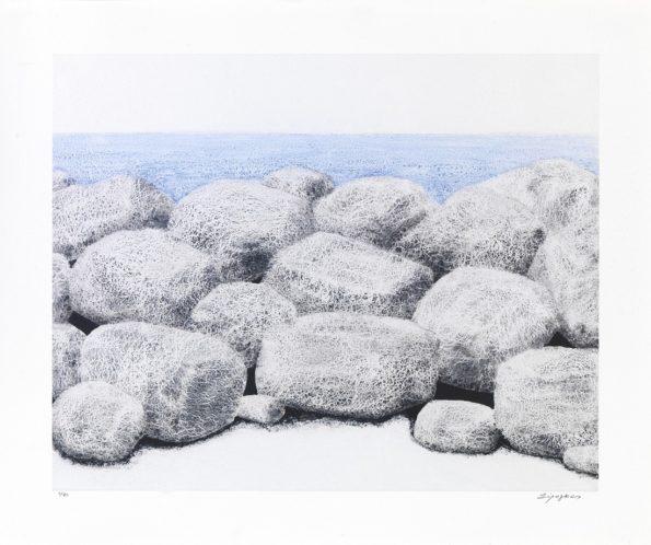 Πέτρες πλάι στη θάλασσα